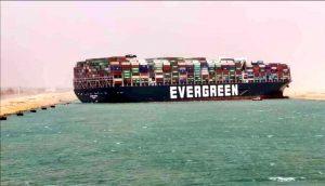 Beslag op Ever Given: 'Belangrijkste doel containers zo snel mogelijk naar Rotterdam halen'